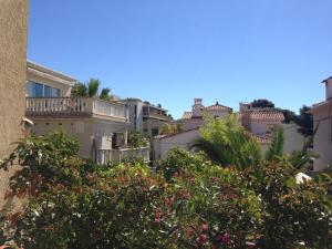 Villa Tricia Cannes, Bed & Breakfasts  Cannes - big - 17