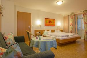 Haus am Blauenbach, Affittacamere  Schliengen - big - 12