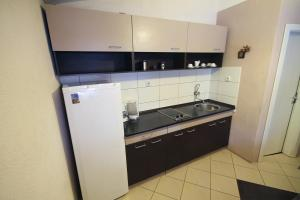 Guest House Via, Penzióny  Bitola - big - 37