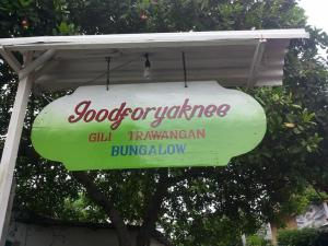 Good For Ya Knee Hostel & Bungalows