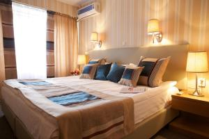 فندق كلوب بيشكيك (Club Hotel Bishkek)