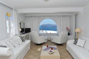 Caldera View Private Villa(Megalochori)