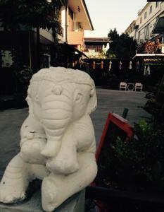 Baan Jaru, Гостевые дома  Чианграй - big - 66