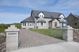 Ardoran House