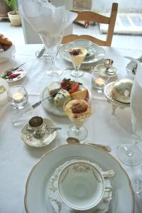 B&B Azee, Bed and Breakfasts  Ostende - big - 25