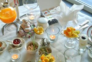 B&B Azee, Bed and Breakfasts  Ostende - big - 20