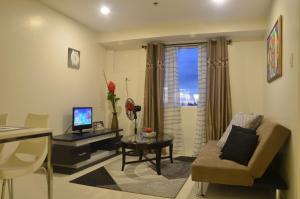 Gilmore Apartment