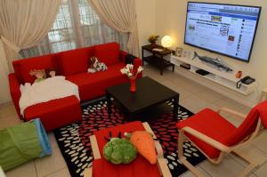 5 Bedrooms Guest House Near 1Borneo