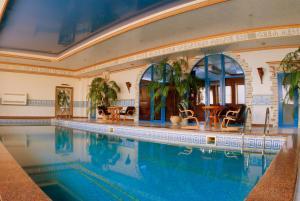 Отель Kamelot - фото 2