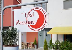 Hotel Mezzaluna