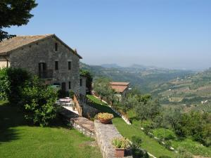 Nearby hotel : Agriturismo Colle Cesoni