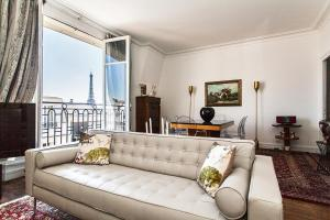 Squarebreak - Apartment with view of the Eiffel Tower