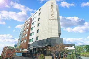 Benikea I-Jin Hotel, Hotel  Jeju - big - 65