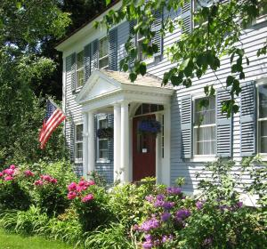 Centennial House Bed and Breakfast - Accommodation - Northfield