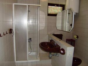 Apartment Ela, Apartmanok  Povljana - big - 26