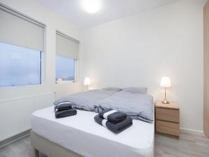 Kef Guesthouse at Grænásvegur, Bed & Breakfasts  Keflavík - big - 12