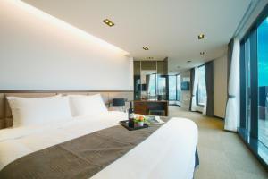 Benikea I-Jin Hotel, Hotely  Jeju - big - 1