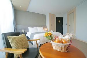 Benikea I-Jin Hotel, Hotel  Jeju - big - 5