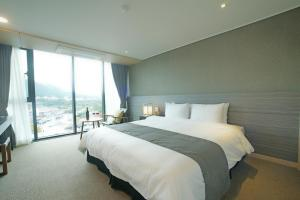 Benikea I-Jin Hotel, Hotel  Jeju - big - 25