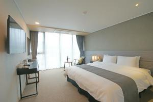Benikea I-Jin Hotel, Hotely  Jeju - big - 7