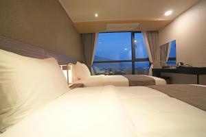Benikea I-Jin Hotel, Hotel  Jeju - big - 29