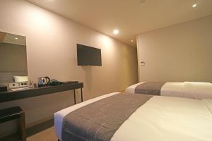 Benikea I-Jin Hotel, Hotely  Jeju - big - 10