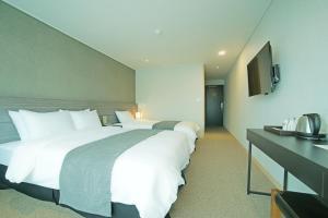 Benikea I-Jin Hotel, Hotel  Jeju - big - 33