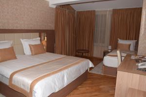 Hotel Elegance - фото 27