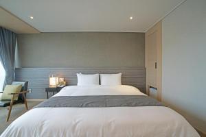 Benikea I-Jin Hotel, Hotel  Jeju - big - 21