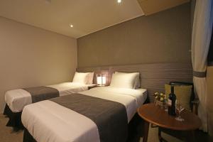 Benikea I-Jin Hotel, Hotel  Jeju - big - 22