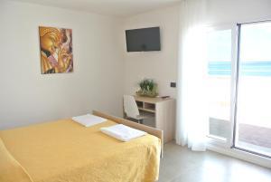 Hotel Touring, Отели  Мизано-Адриатико - big - 13