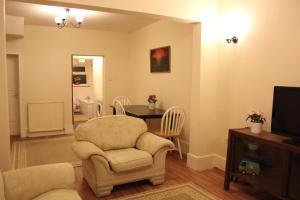 Dunmow Apartment