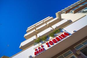 Hotel Touring, Отели  Мизано-Адриатико - big - 9