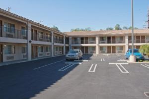 Burbank Inn and Suites, Мотели  Бербанк - big - 15