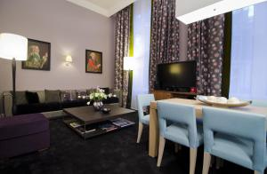 Apartament typu Canal House z łóżkiem typu king-size i prywatnym wejściem