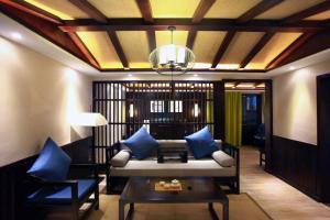 Yin Live Hotel
