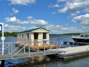 House Boat Jabel