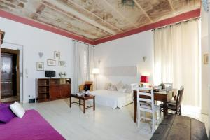 Vatican Vintage Apartment
