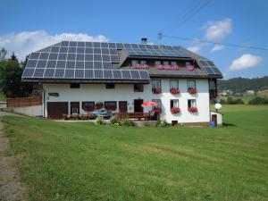 Ferienhof Kammerer, Ferienwohnungen  Ibach - big - 34