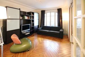 Descartes Apartment