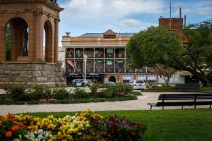 Bathurst Royal Apartments - Bathurst, New South Wales, Australia