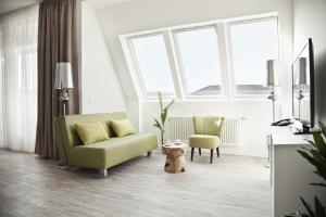 Deluxe Penthouse Suite