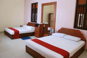(Triangle Hotel - Anuradhapura, Sri Lanka)