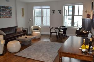 Saint George South End Luxury 1 Bedroom Apartment by Spare Suite, Inc. photos