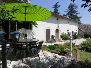 La Rouquette Marcoux, Dovolenkové domy  Beauville - big - 14