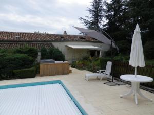 La Rouquette Marcoux, Dovolenkové domy  Beauville - big - 7