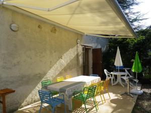 La Rouquette Marcoux, Dovolenkové domy  Beauville - big - 5
