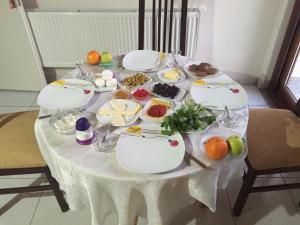 Zeytin Çiçeği Pansiyon, Alloggi in famiglia  Geyikli - big - 12