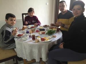 Zeytin Çiçeği Pansiyon, Alloggi in famiglia  Geyikli - big - 22