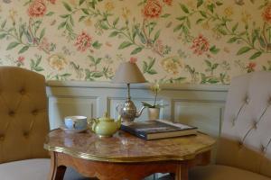 Chambres d'Hôtes La Pommetier, Bed & Breakfasts  Arromanches-les-Bains - big - 37